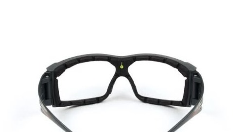 See clearly, longer. Introducing 3M™ SecureFit™ 600 Series Protective Eyewear.