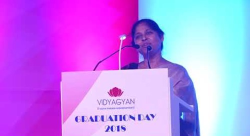 Ms. Nutan Singh, Vice-Principal of VidyaGyan Sitapur   VidyaGyan Graduation Day 2018