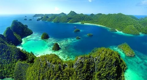 This is Raja Ampat - Papua Indonesia (HD)