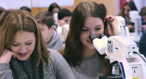 Digitales Klassenzimmer mit ZEISS Mikroskopen