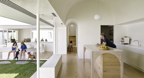 An Australian Home Relishes Sunshine With a New Extension