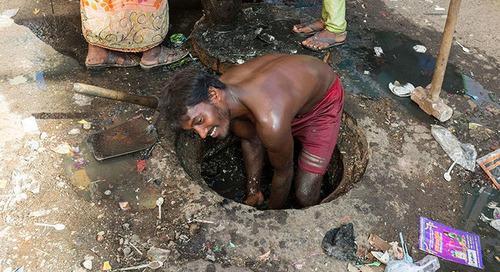 Un nouveau rapport révèle les conditions de travail difficiles des travailleurs du secteur de l'assainissement