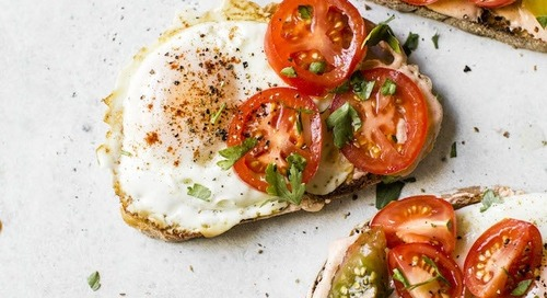 9 Toast Recipes That Prove Tomato Is the New Avocado