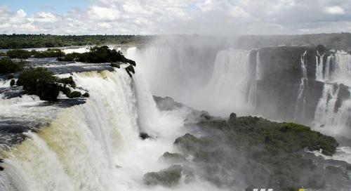 Iguazu Falls: Argentina vs Brazil