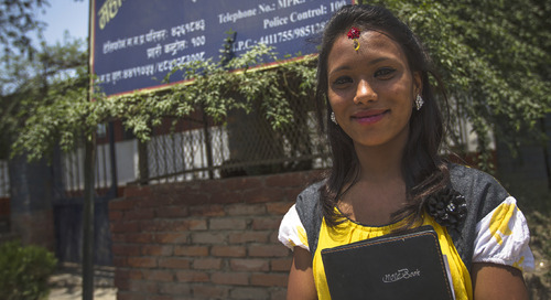 How to empower women by travelling to India and Nepal