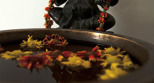 Behind the Hindu Aarti ceremony