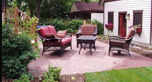 How to pack and move outdoor furniture