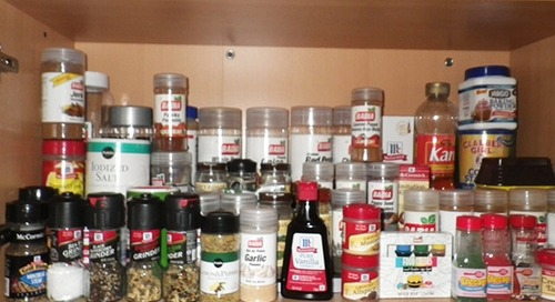 How to pack spices for moving
