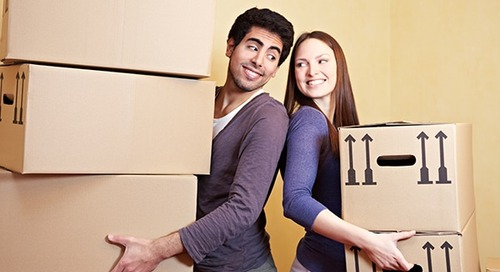 How to lift boxes correctly when moving house