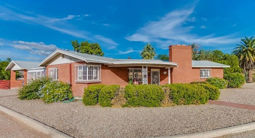 Retro Ranch Time Capsule in Tucson Is a Cool Mid-Century Modern Dream