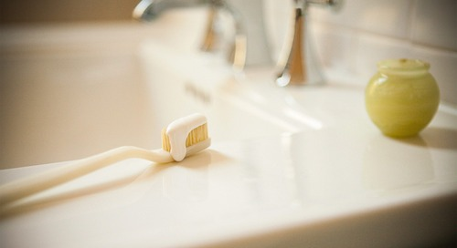 9 Surprising Things You Should Never Leave in the Bathroom