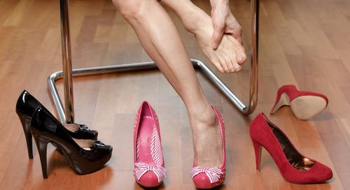 Jangan Khawatir Punya Sepatu Hak Kebesaran, Supaya Tetap Nyaman, Atasi dengan Trik Berikut!