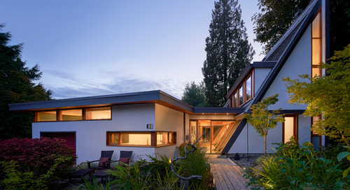 Houzz Tour: Glass, Timbers and Angles Shape a Restored Wedge Home (14 photos)