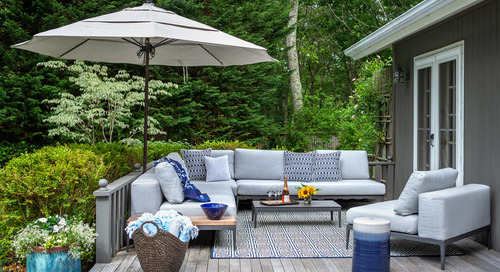 9 Ways to Bring Pantone's Classic Blue Outdoors (12 photos)