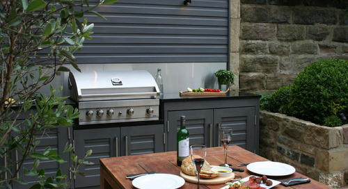 10 Small and Stylish Outdoor Kitchens (11 photos)