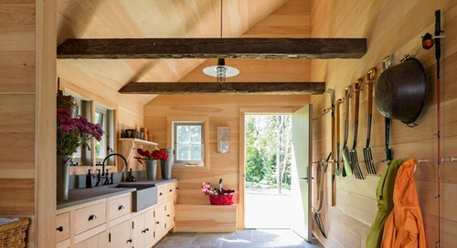 9 Gorgeous Garden Sheds and Luxury Indoor Potting Stations (10 photos)