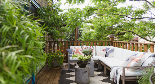 Couple Put a Personal Stamp on Their Chicago Condo (28 photos)