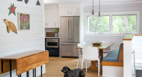 Cottage Kitchen Goes From Dark and Gloomy to Light and Bright (9 photos)