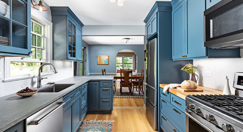 5 Countertops That Look Beautiful in a Dark Blue Kitchen (5 photos)