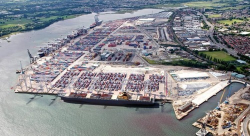 DP World to set entry fee for older trucks collecting boxes at Southampton