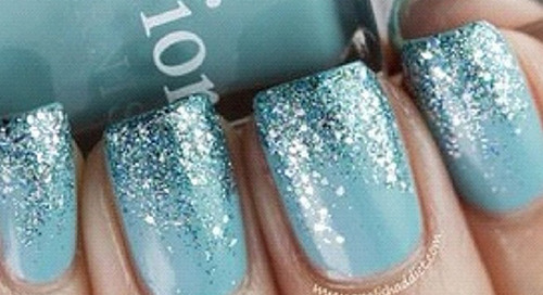 7 Holiday Nail Designs You Can Do in 15 Minutes