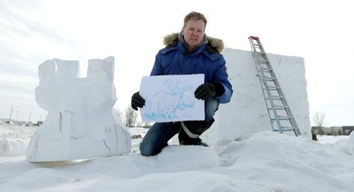 Who makes those magnificent Festival du Voyageur snow sculptures?