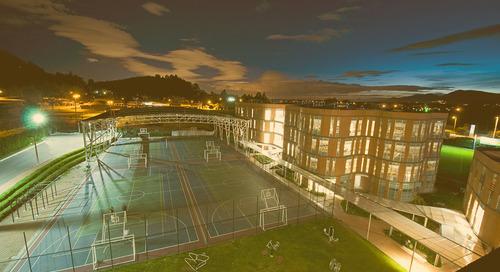El primer colegio de Latinoamérica en obtener la certificación LEED for Schools, versión GOLD, implementa la tecnología LED de GE