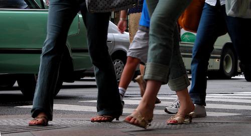 5 Surefire Ways to Convert  Foot Traffic Into Increased Sales