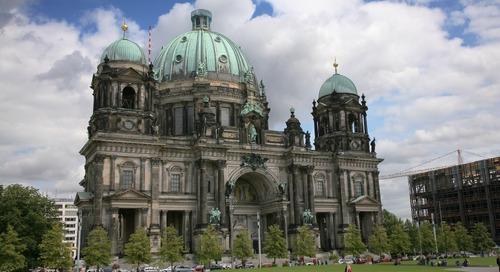 Mengunjungi Katedral Berlin yang Bersejarah