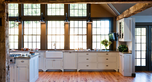 Beam Me Up! The Rustic Chic of Exposed Beams