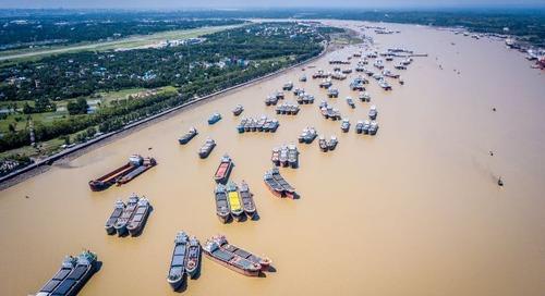 Cyclone delays 12,000 TEU of cargo at Chittagong