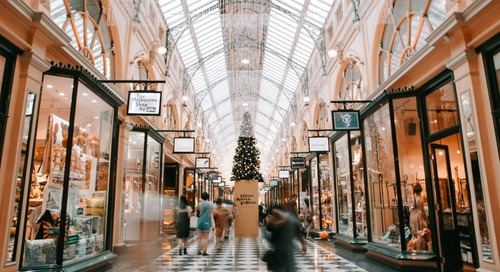 Americans Are Likely to Spend More This Holiday Season: Discover Survey