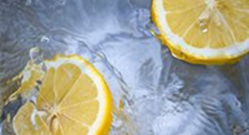 5 unexpected benefits of drinking lemon water daily