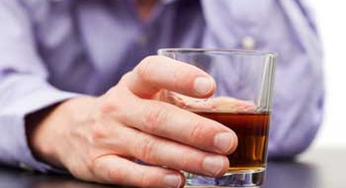 Why heavy drinkers with cancer need to level with their doctors