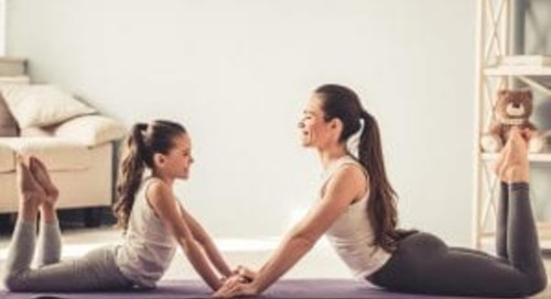 5 Reasons to Start Doing Morning Family Yoga