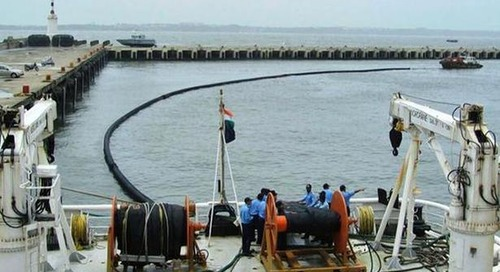 India looks to consolidate oil-spill handling equipment at ports - The Hindu BusinessLine