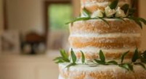 10 Naked Cakes That Will Make You Think Less Is More