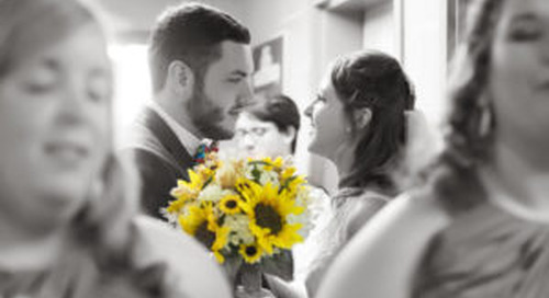 How To Add Splashes Of Color To Your Wedding